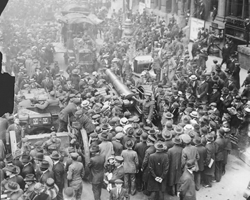 Crowds in the street at a Victory Loan Drive
