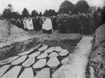 Burial of victims from the Lusitania